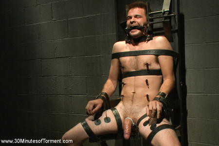 Submissive Stud Gets Hardcore Bondage Session
